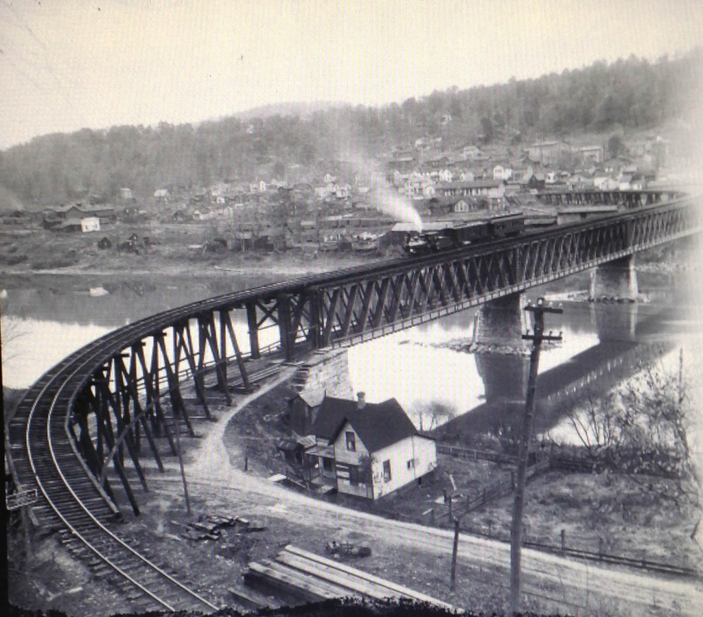 B & O train crossing over the Foxburg Bridge right before the beginning of a switch back.